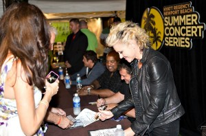 Mindi Abair, Richard Elliot, Gerald Albright & Dave Koz signing autographs at the Hyatt (photo by Ambrosevents.com/Ellis Moore Photography)