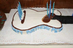 Guitar-shaped birthday cake (photo by David Hopley)