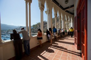 Fans enjoying intermission on the balcony during the Catalina Island JazzTrax Festival (photo by Pat Benter)