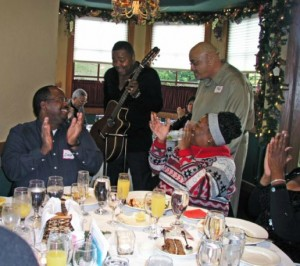 Craig Collier & Sonia Patton enjoying serenade by Phil Perry & Ray Fuller at the 2014 Smooth Jazz News anniversary brunch at Spaghettini in Seal Beach, California (photo by David Hopley)