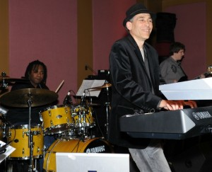 Gregg Karukas performing at Smooth Jazz News' anniversary celebration at Spaghettini in 2012 (Photo by David Hopley)