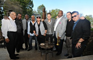 Phil Perry, Sekou Bunch, Rayford Griffin, DamonReel, Joey Sommerville, Eric Mondragon & DW3 band members outside on the patio at Spaghettini in Seal Beach (Photo by David Hopley)