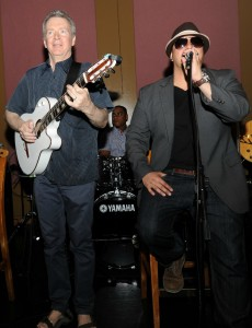 Peter White & DamonReel performing at Spaghettini Seal Beach (Photo by David Hopley)