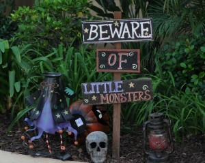 Elliot's Halloween garden signage (Photo: David Hopley)