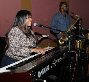 Gail Jhonson & Marqueal Jordan sitting in with DW3 during the Smooth Jazz News Anniversary Brunch & Jam Session (photo by David Hopley)