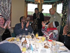 Phil Perry & Ray Fuller serenade the Smooth Jazz News crew during the 5th Anniversary Brunch Party at Spaghettini in Seal Beach, CA (photo by David Hopley)