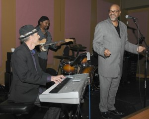 Gregg Karukas sitting in with Freddie Fox (center) and Derek Bordeaux (right) during Smooth Jazz News' 16th Anniversary Brunch celebration at Spaghettini in Seal Beach, CA (photo by David Hopley)